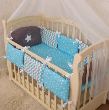 Защита для кроватки Бетис Зирочка с вышивкой голубое поплин