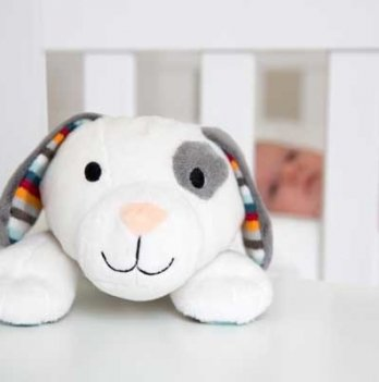 Мягкая игрушка Zazu DEX успокаивает новорожденного, имитируя сердцебиение мамы
