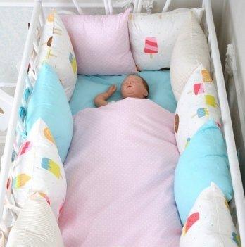 Комплект бортиков в кроватку + постельное Magbaby