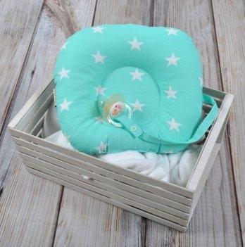 Ортопедическая подушка для новорожденных с держателем Magbaby, мятная с белыми звездами