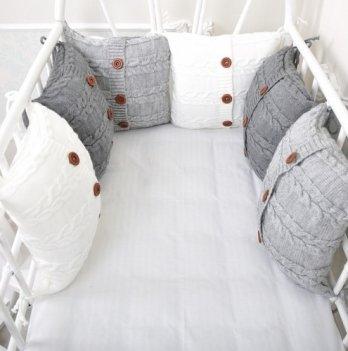 Комплект вязаных бортиков в кроватку Magbaby, 6 подушек+простынь, серый