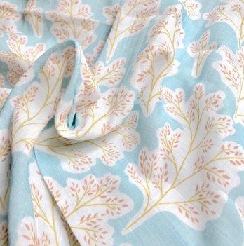 Муслиновая пеленка Embrace Большие листики на голубом 100х80 см