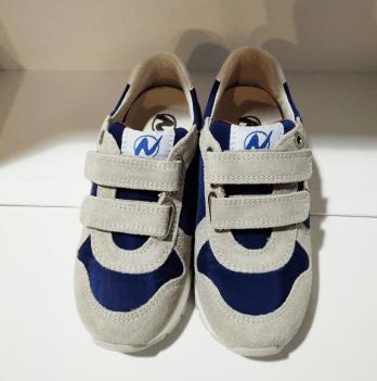 Кроссовки для мальчика Naturino, на липучках, нашивка звезд, цвет синий/серый/красный