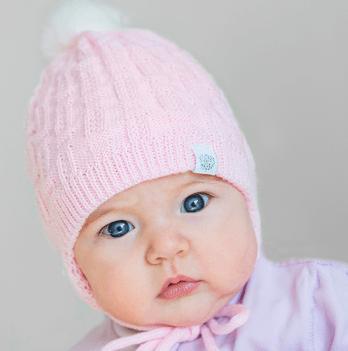 Шапочка вязаная для новорожденной девочки Модный карапуз, розовая